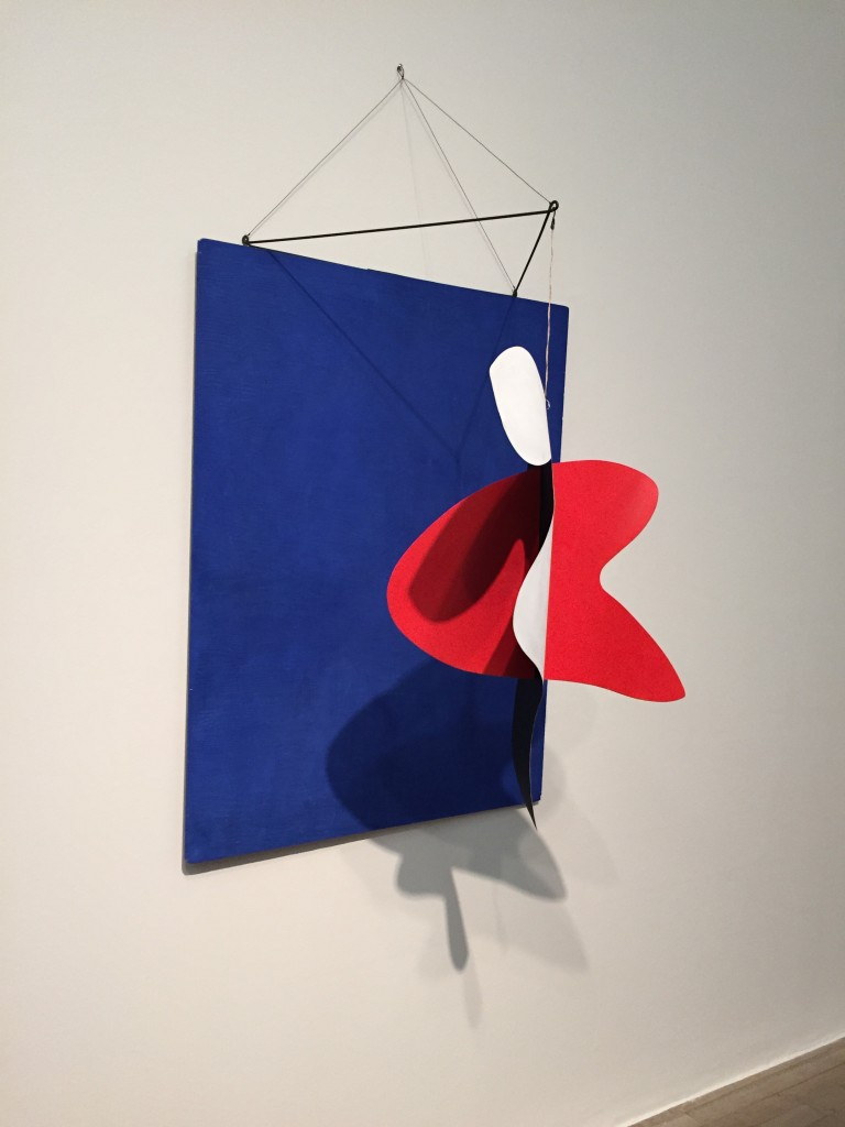Alexander Calder -  performing sculpture